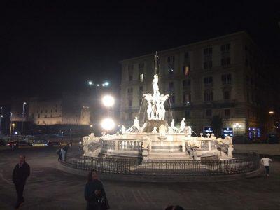 La casa vacanza a Napoli più vicina ai Teatri San Carlo e Augusteo .